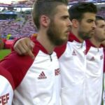 Gerard Pique gives camera the finger during Spanish anthem
