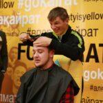 Andrei Arshavin shaves journalist's head after winning goal bet