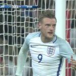 Jamie Vardy celebrates goal with mannequin challenge