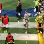 Santos Laguna fans shower former goalkeeper with fake money